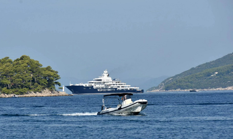 Richest New Zealander cruises on Ulysses in Dubrovnik - The
