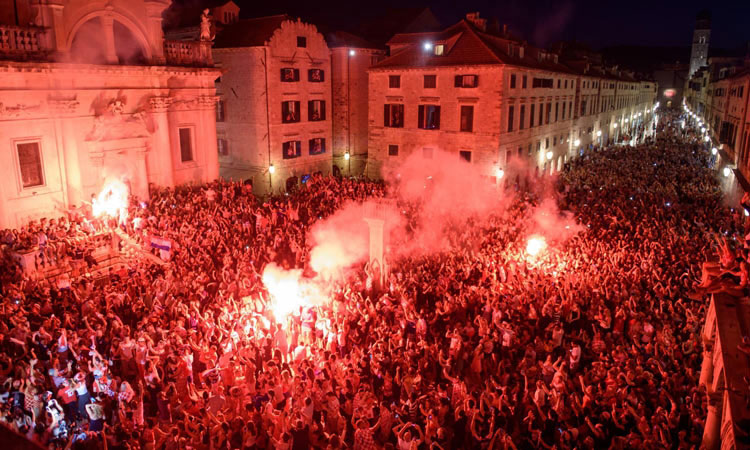 Croatian fans cause mini earthquakes while cheering for their team