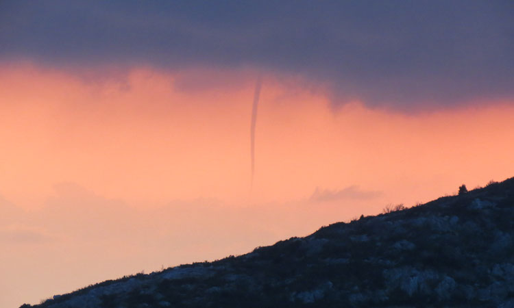 beginnings of a twister in zupa dubrovnik