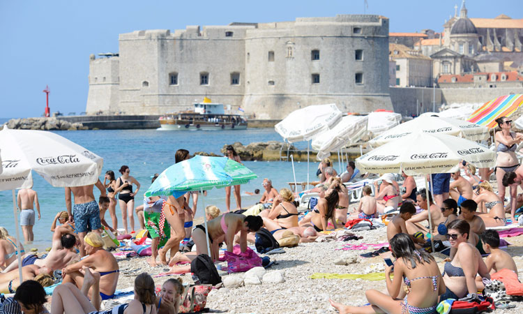 busy dubrovnik beach