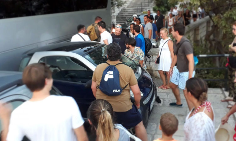 car moved in dubrovnik smart