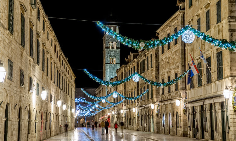 christmas decorations in dubrovnik stradun 2018