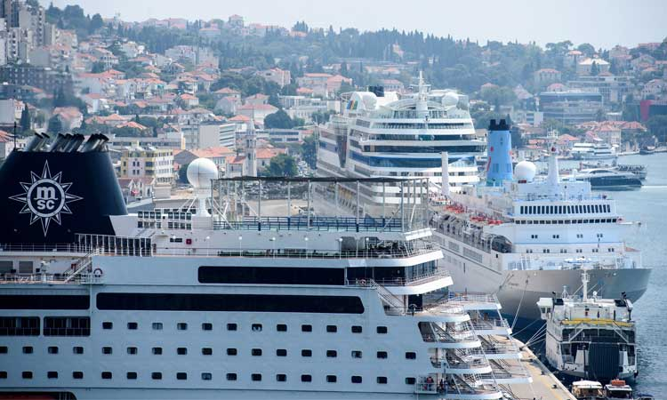 cruise ship crush dubrovnik