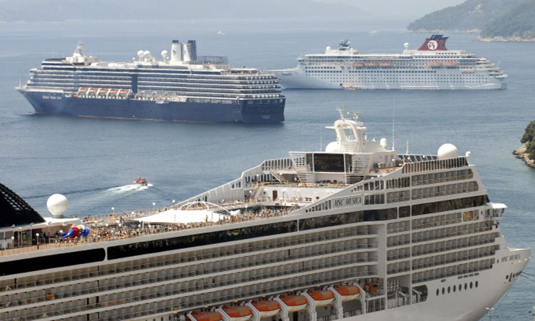 cruise ships in dubrovnik