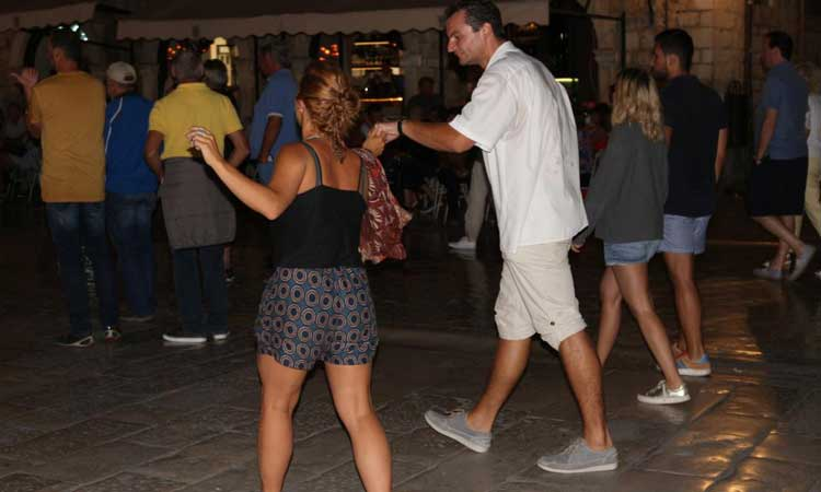 dance in dubrovnik stradun
