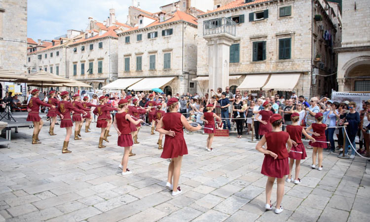dancing in the old city of dubrovnik 2091