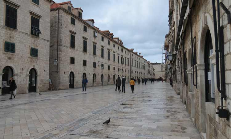 empty dubrovnik in the winter months 2018 22