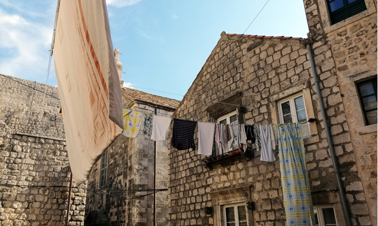 full washing lines in dubrovnik