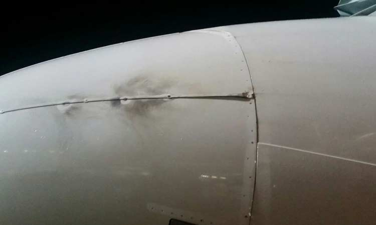 lightening hit croatia airlines plane