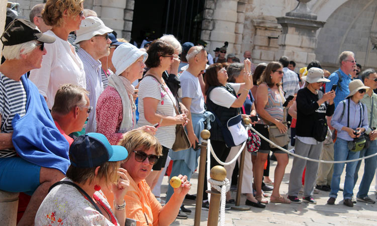 line of people watching show in dubrovnik