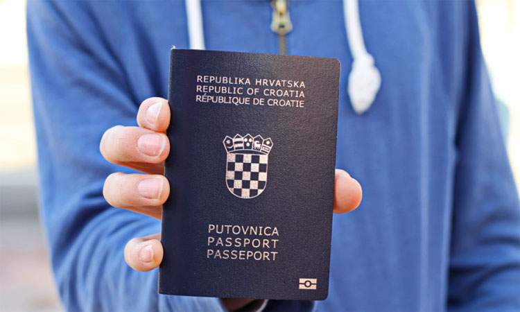 passport croatia hands