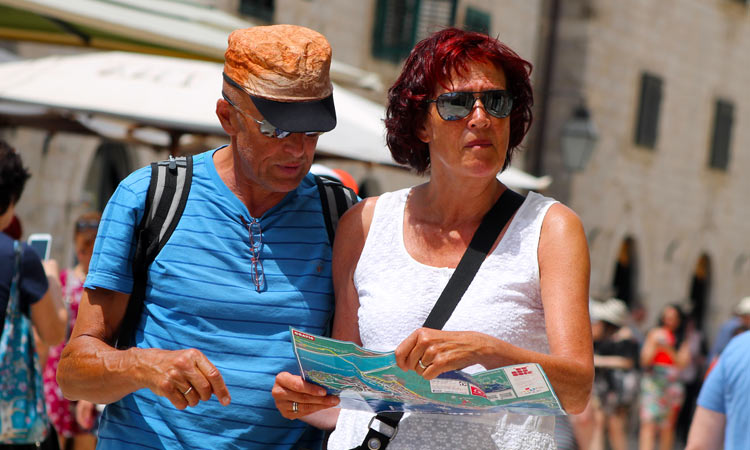 reading a map in dubrovnik 2018 99