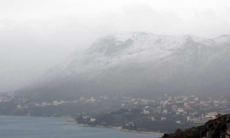 snow on hills of zupa dubrovnik 2018 22
