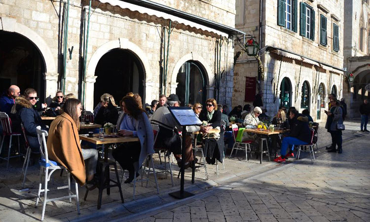 winter coffee in dubrovnik 2018
