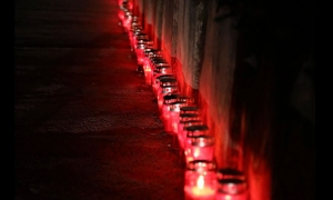 Candles lit in Dubrovnik to remember Vukovar