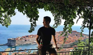 Famous blogger Adam Gallagher relaxing in Dubrovnik