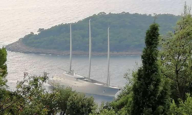 Yacht A arrives in Dubrovnik