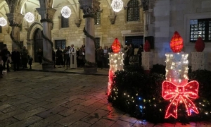 Second Dubrovnik Advent Candle lit
