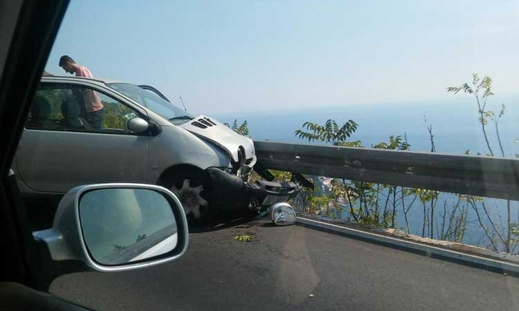 Dubrovnik main coastal road again the scene of a traffic accident