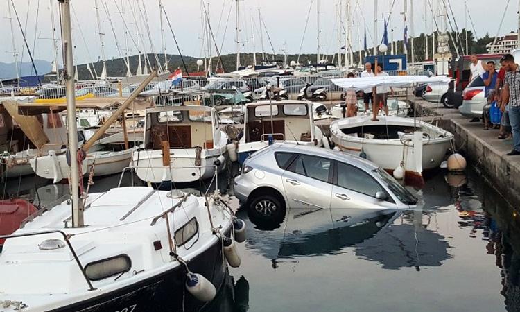"Car ""parks"" itself in Adriatic Sea"