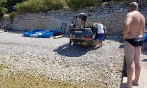 Car crashes onto popular Dubrovnik beach