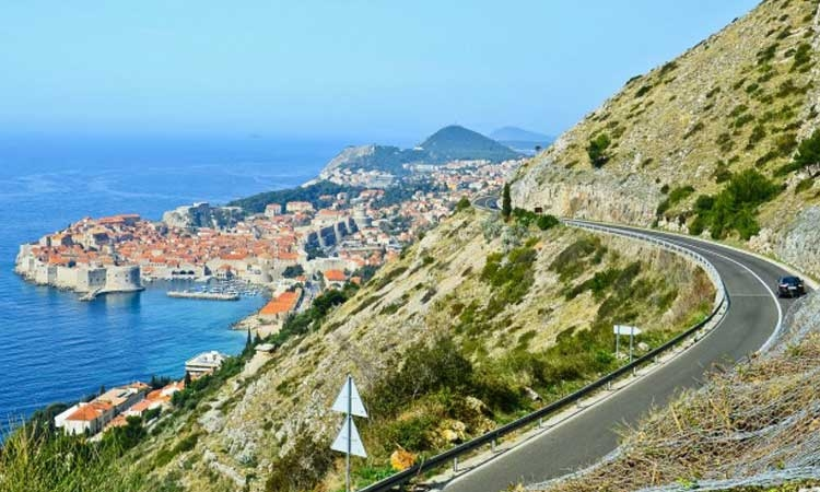 Dangerous Croatian coastal road