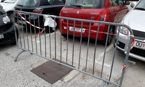 Dubrovnik's own Del Boy fences off parking space