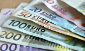 Introduction of the Euro as official currency of Croatia seems unstoppable