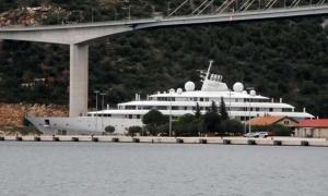 Saudi Prince's mega yacht arrives in Dubrovnik