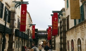 Robin Hood flags over iconic Dubrovnik street