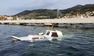 Gale force winds cause havoc in Dubrovnik