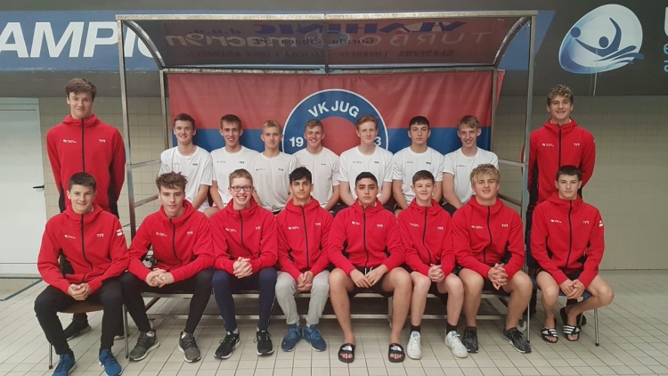 Dubrovnik water polo club trains England national team