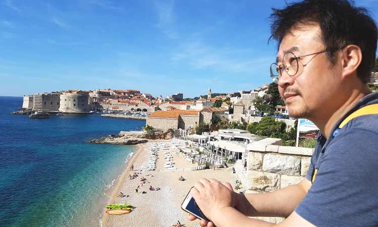 Changseok Lim enjoying the late autumn sun in Dubrovnik
