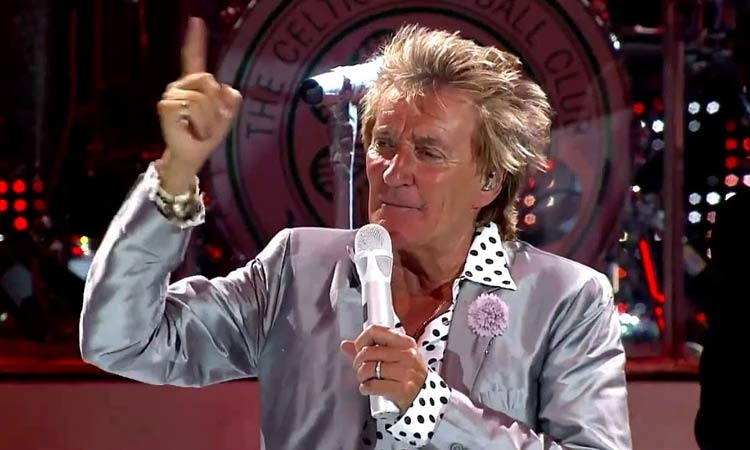 Sir Rod Stewart on his way to Zagreb