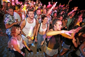 Photo gallery – Party time with Sigma at Banje Beach