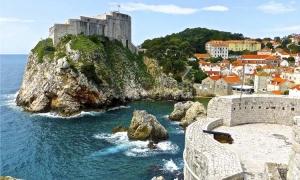 71 days left till Christmas and sunshine still warming Adriatic in Dubrovnik