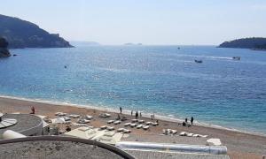 Iconic Dubrovnik beach optimistic that sunshine will continue