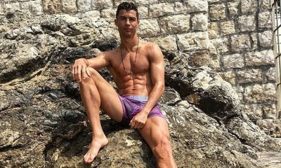 Cristiano Ronaldo waves goodbye to Dubrovnik – but not before showing off his buffed body