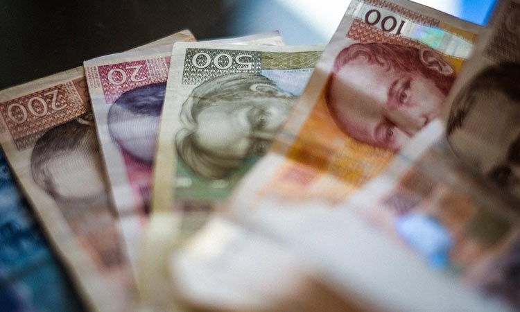 Average net salary in Croatia in September was 6,418 Kuna