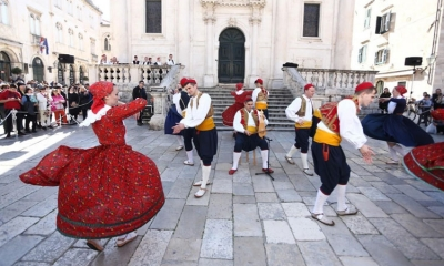 PHOTO – Folklore shines in the February sunshine