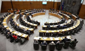 Slovenian government to keep ban on Croatian workers