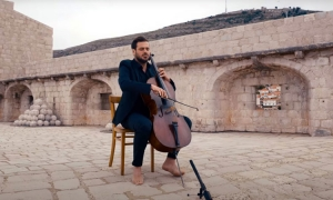 VIDEO – Hauser plays theme tune to Gladiator in Dubrovnik