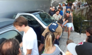 All hands to the pump to move badly parked Dubrovnik car