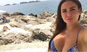 Playboy model shows bikini best in Dubrovnik