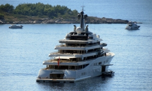 Roman Abramovich clearly loves Dubrovnik as he is back again!