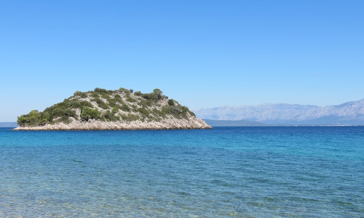 Sea water quality tested on beaches in Dubrovnik-Neretva County