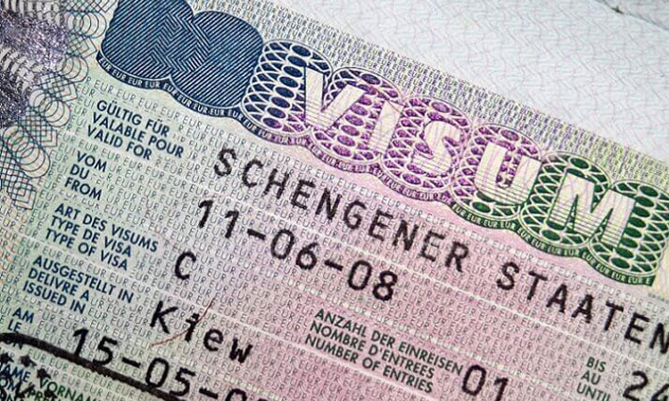 European Union clarifies American visa requirements