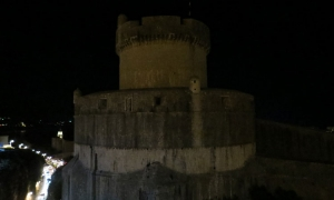 VIDEO – Dubrovnik City Walls blacked out for Earth Hour