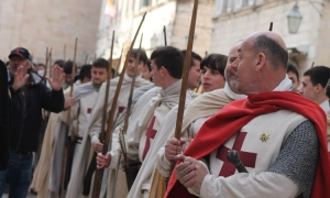 PHOTO – Robin Hood extras bring a touch of Nottingham to Dubrovnik