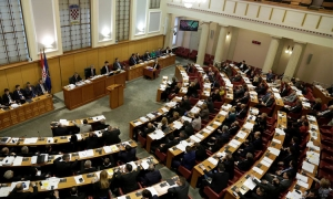 Croatian economy moving in right direction as gross debt falls